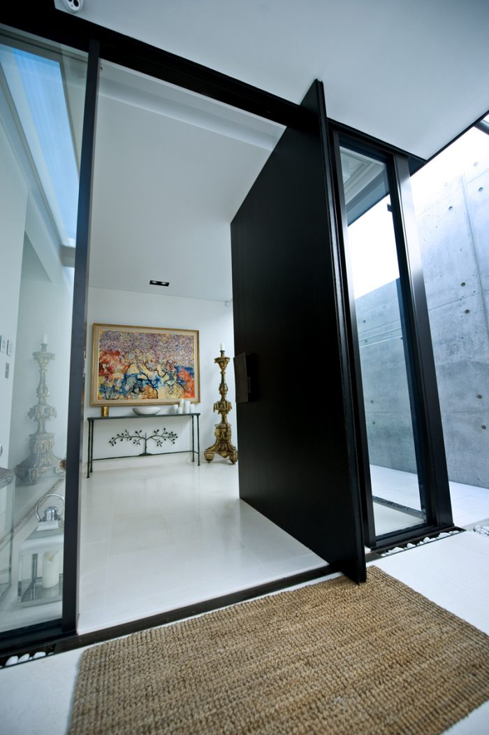 Pivot Doors_Pic3
