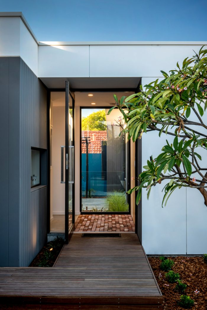 Pivot Doors_Pic5