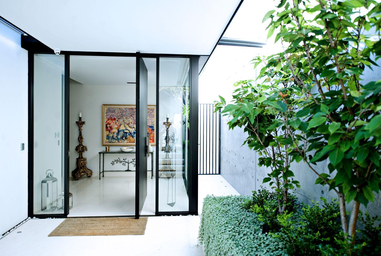 Storefront Windows And Doors high-end, custom made glass & aluminium - avanti glass
